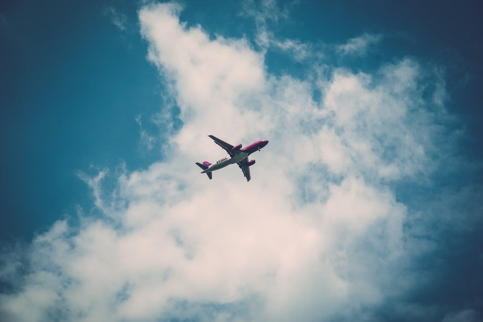 泰國航空/因安全考量,商務艙佔位嬰兒將不受理