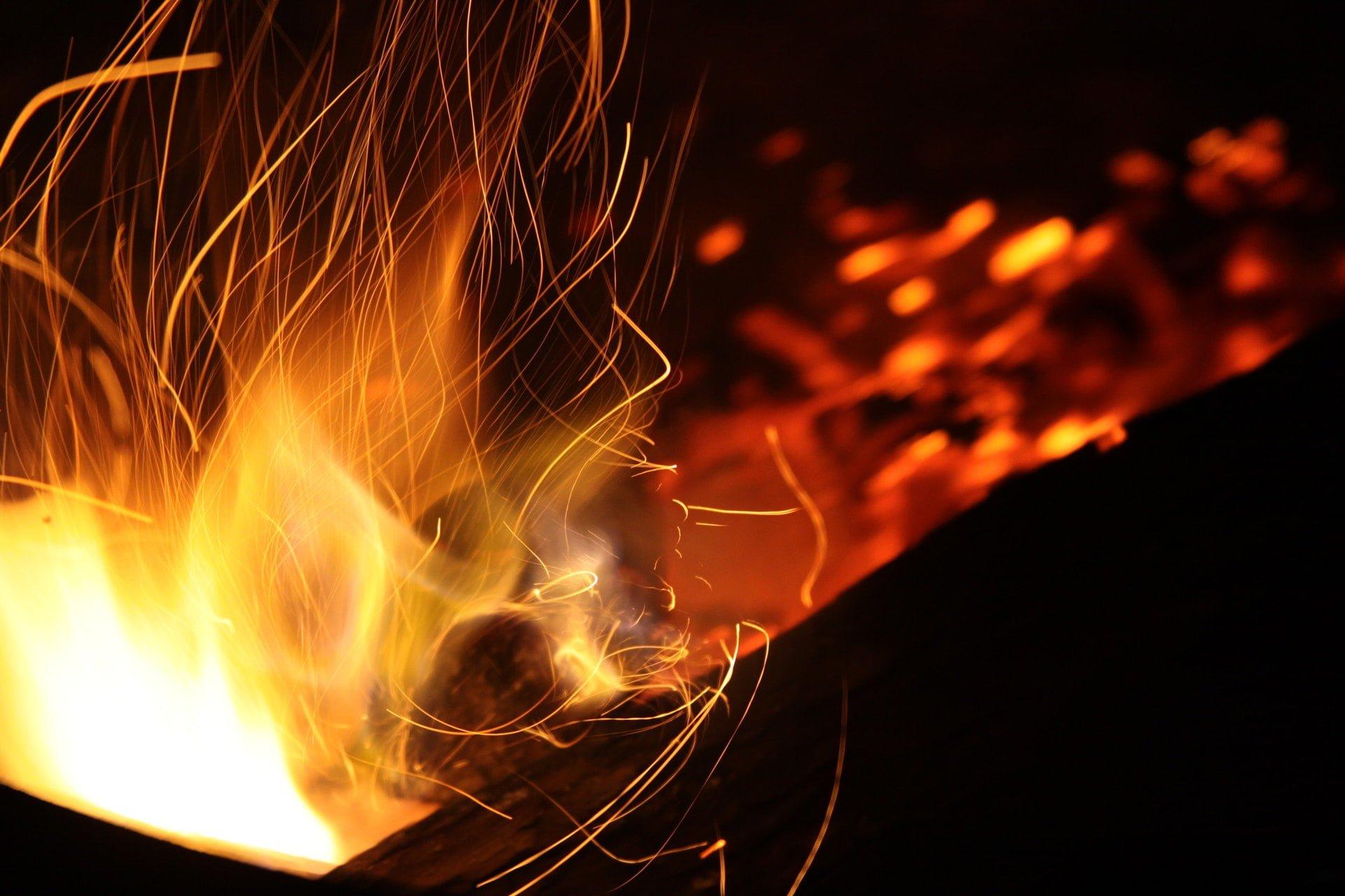 能源問題/地熱發電的優點和缺點比較分析