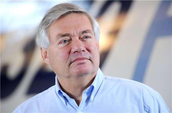 Airbus Sales 06 史上第一業務員,每天睡覺前能賺45億!他的5點銷售建議讓競爭對手都讚美!