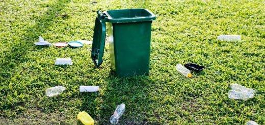 bottles trash bin Recycle garbabe 乾電池、充電電池、鋰電池等電池產品的資源回收方法